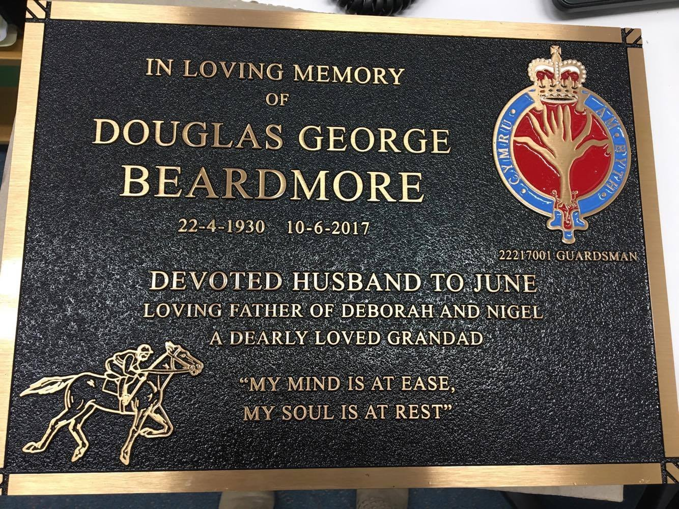 Memorial Placque Douglas George Beardmore Guardsman 22217001
